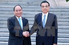 Vietnam, China issue joint communiqué on PM's China visit