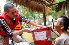 Government agencies support flood victims