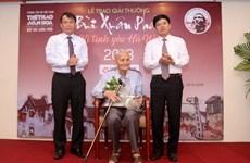Elderly teacher and the love for Hanoi