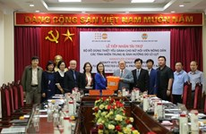 UNFPA presents over 5,700 dignity kits to Vietnamese women