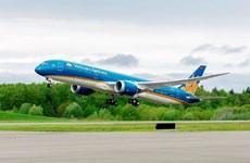 Vietnam Airlines vows best services possible during 13th National Party Congress