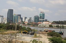 COVID-19 resurgence worsens HCM City property market