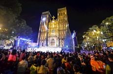 Major cities bask in Christmas joy