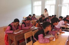 Teacher helps ethnic minorities in Hoa Binh escape illiteracy
