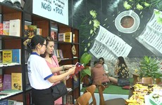 Free book-café funded by RoK opens in Da Nang