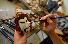 Story of puppet making family