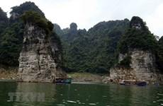 """Na Hang Nature Reserve – """"Ha Long Bay"""" on mainland"""