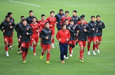 Football team practice ahead of final match