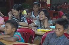 Makeshift class thrives at Binh Phuoc Pagoda