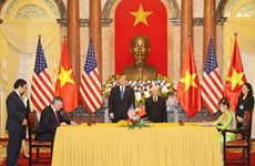 Vietnam, US sign cooperation agreements
