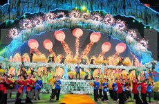 Arts performance marks start of Quang Binh cave festival