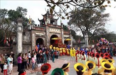 Tomb of Kinh Duong Vuong-a spiritual place attracts a lots of tourists
