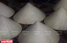 Poem in the conical hat - the iconic beauty of Hue