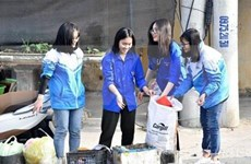 Thousands of people in Viet Nam pick up trash at the World Cleanup Day