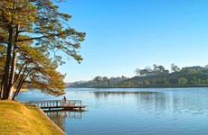 Xuan Huong Lake – A glimpse at dreamy Da Lat