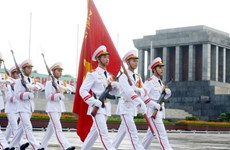 """Musketeers"" qietly protects president Ho Chi Minh mausoleum"