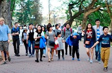 Tourists come back to Hanoi after COVID-19 disease is controlled