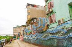 From litters to lively community art under artist's makeover
