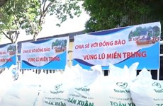 Packages of gratitude sent to people in the flooded area of Central Vietnam