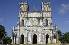 """Mang Lang Church: An European space in the land of """"Yellow flowers on the green grass"""""""
