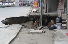 The sinkhole caused many households to relocate in Hanoi