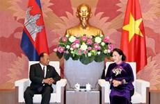 Cambodian top legislator begins official visit to Vietnam