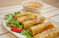 Fried spring rolls - quintessence of Vietnamese traditional food