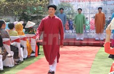 Preserving the heritage of men's traditional ao dai
