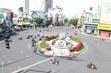 HCM City's streets desolate on first days of social distancing