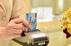 Cutting fees for international credit cards to boost cashless payments
