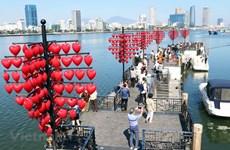 Romantic Valentine's Day on Da Nang Love Lock Bridge