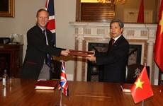 Vietnam, UK sign FTA