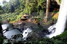 Dambri Waterfall - Central Highlands' majestic beauty
