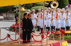 Top Lao leader Thongloun Sisoulith visits Vietnam
