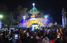 Christmas atmosphere overwhelms every corner of Vietnam