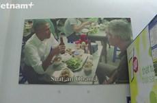 Bun cha restaurant becomes a big hit after Obama's visit