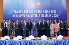 High-level roundtable on ASEAN 2020 takes place in Hanoi