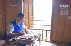 Teacher spends life preserving ancient Thai script