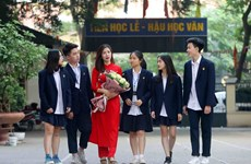 Vietnamese teachers shine in Ao Dai