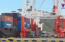 ​Exports shrink to lowest in first half of May