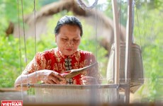 Thai ethnic people's traditional brocade weaving