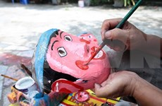 Traditional toy making village bustling as Mid-autumn festival nears