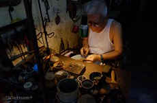 Man dedicated to preserving Hanoi's traditional silver crafting