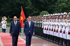 PM hosts official welcome ceremony for Japanese counterpart