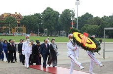 National Assembly deputies pay tribute to President Ho Chi Minh