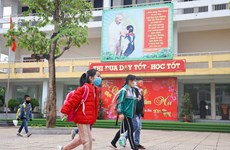 Hanoi ensures COVID-19 safety measures as students return to school