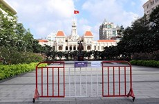 HCMC imposes social distancing under PM's directive