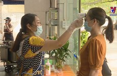 Hanoi on first day of social distancing being eased