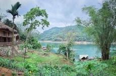 Da Bac farmer success with community-based tourism