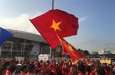 My Dinh stadium blazes red ahead of Vietnam's match vs Malaysia